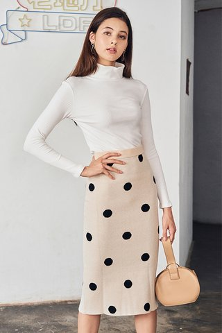 Aiyana Dotted Knitted Midi Skirt in Cream