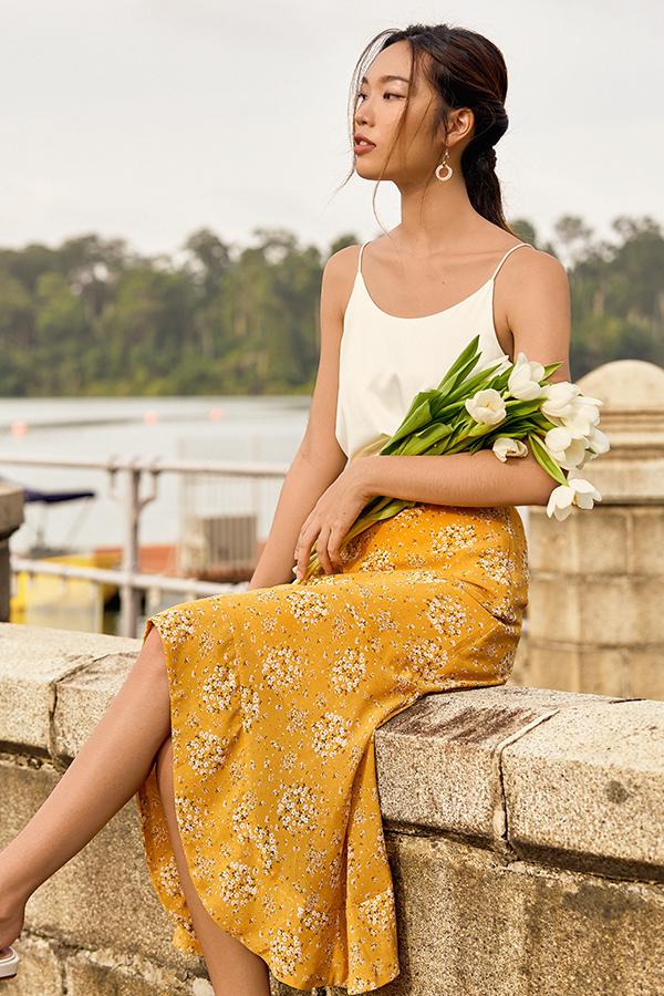 Cassa Ruffled Midi Skirt in Dandelion